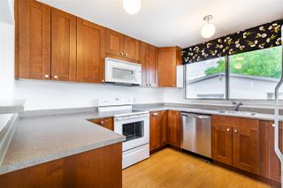 Photo 3: 11124 53 Avenue in Edmonton: Zone 15 House for sale : MLS®# E4202508