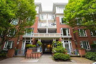 "Main Photo: 302 2628 YEW Street in Vancouver: Kitsilano Condo for sale in ""CONNAUGHT PLACE"" (Vancouver West)  : MLS®# R2474967"