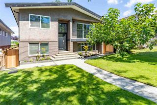 Photo 1: 2269 E 40TH Avenue in Vancouver: Victoria VE House for sale (Vancouver East)  : MLS®# R2475133
