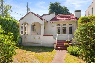 Photo 2: 3512 W 31ST Avenue in Vancouver: Dunbar House for sale (Vancouver West)  : MLS®# R2484834
