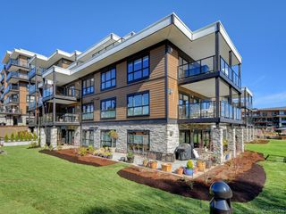 Photo 16: 401 741 Travino Lane in : SW Royal Oak Condo Apartment for sale (Saanich West)  : MLS®# 855136