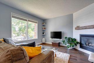 Photo 3: 3735 42 Street SW in Calgary: Glenbrook Semi Detached for sale : MLS®# A1038349