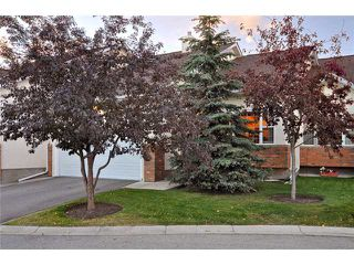 Photo 2: 175 Prominence Heights SW in CALGARY: Prominence Patterson Townhouse for sale (Calgary)  : MLS®# C3496541