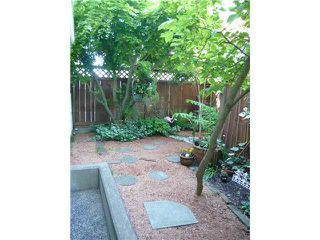 """Main Photo: # 102 1723 FRANCES ST in Vancouver: Hastings Condo for sale in """"SHALIMAR GARDENS"""" (Vancouver East)  : MLS®# V943537"""