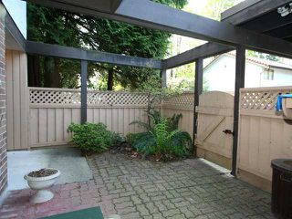 Photo 2: 52 3046 Coast Meridian Road in Port Coquitlam: Birchland Manor Townhouse for sale : MLS®# V946274