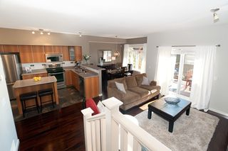 Photo 2: 121 2000 Panorama Drive in Port Moody: Heritage Woods PM Townhouse for sale : MLS®# V910387
