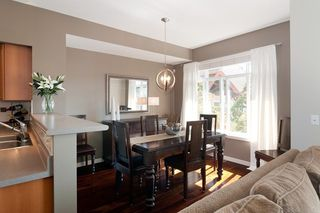 Photo 4: 121 2000 Panorama Drive in Port Moody: Heritage Woods PM Townhouse for sale : MLS®# V910387