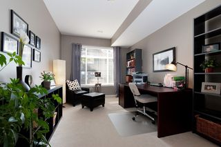 Photo 9: 121 2000 Panorama Drive in Port Moody: Heritage Woods PM Townhouse for sale : MLS®# V910387