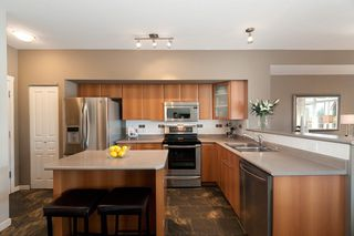Photo 3: 121 2000 Panorama Drive in Port Moody: Heritage Woods PM Townhouse for sale : MLS®# V910387