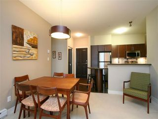 Photo 7: 202 2330 WILSON Avenue in Port Coquitlam: Central Pt Coquitlam Condo for sale : MLS®# V1047979
