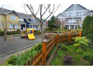 "Photo 18: 49 6300 LONDON Road in Richmond: Steveston South Townhouse for sale in ""MCKINNEY CROSSING"" : MLS®# V1051731"