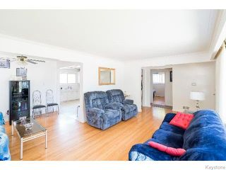 Photo 2: 586 Oakland Avenue in WINNIPEG: North Kildonan Residential for sale (North East Winnipeg)  : MLS®# 1517789