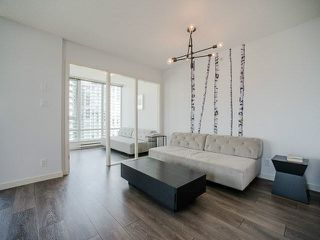 "Photo 8: 1205 980 COOPERAGE Way in Vancouver: Yaletown Condo for sale in ""Cooper's Pointe"" (Vancouver West)  : MLS®# V1131591"