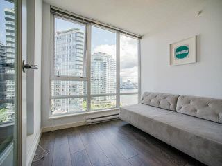 "Photo 9: 1205 980 COOPERAGE Way in Vancouver: Yaletown Condo for sale in ""Cooper's Pointe"" (Vancouver West)  : MLS®# V1131591"