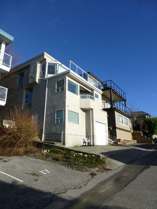 Photo 12: 15176 ROYAL Avenue: White Rock House for sale (South Surrey White Rock)  : MLS®# R2020281