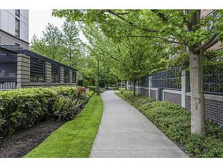 """Photo 11: 614 3588 VANNESS Avenue in Vancouver: Collingwood VE Condo for sale in """"Emerald Green"""" (Vancouver East)  : MLS®# R2060702"""