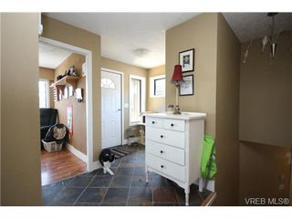 Photo 10: 3407 Karger Terr in VICTORIA: Co Triangle House for sale (Colwood)  : MLS®# 735110