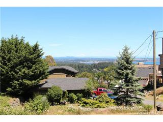 Photo 5: 3407 Karger Terr in VICTORIA: Co Triangle House for sale (Colwood)  : MLS®# 735110