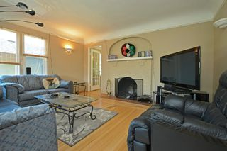 Photo 4: 3805 Quadra St in VICTORIA: SE Quadra House for sale (Saanich East)  : MLS®# 735444