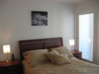 "Photo 3: 2502 610 GRANVILLE Street in Vancouver: Downtown VW Condo for sale in ""THE HUDSON"" (Vancouver West)  : MLS®# R2104387"
