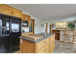 Photo 11: 147 EDGEBROOK Circle NW in Calgary: 2 Storey for sale : MLS®# C3580214
