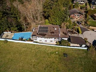 Photo 2: 6509 LYNNWOOD Court in Sechelt: Sechelt District House for sale (Sunshine Coast)  : MLS®# R2146717