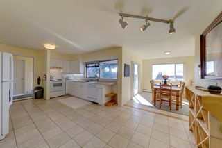 Photo 12: 6509 LYNNWOOD Court in Sechelt: Sechelt District House for sale (Sunshine Coast)  : MLS®# R2146717