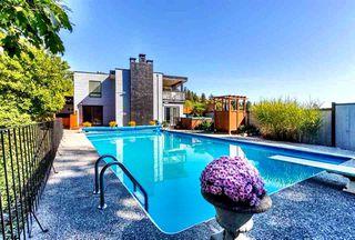 Photo 1: 6509 LYNNWOOD Court in Sechelt: Sechelt District House for sale (Sunshine Coast)  : MLS®# R2146717