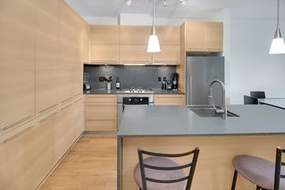 "Photo 5: 405 2020 W 12TH Avenue in Vancouver: Kitsilano Condo for sale in ""2020"" (Vancouver West)  : MLS®# R2166280"