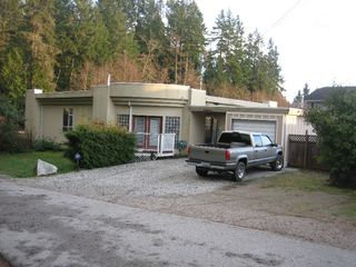 Photo 1: 5135 HAVIES Road in Sechelt: Sechelt District House for sale (Sunshine Coast)  : MLS®# V627695