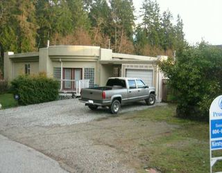Photo 2: 5135 HAVIES Road in Sechelt: Sechelt District House for sale (Sunshine Coast)  : MLS®# V627695