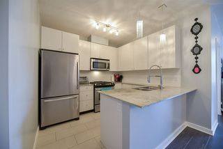 """Photo 3: 1007 280 ROSS Drive in New Westminster: Fraserview NW Condo for sale in """"THE CARLYLE"""" : MLS®# R2194629"""