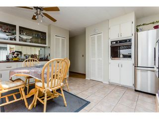 """Photo 8: 25 15875 20 Avenue in Surrey: King George Corridor Manufactured Home for sale in """"Searidge Bays"""" (South Surrey White Rock)  : MLS®# R2195866"""