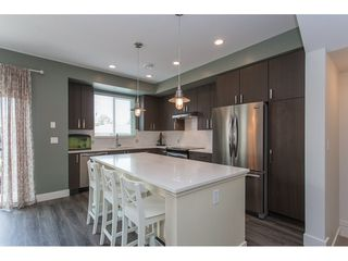 """Photo 3: 29 34230 ELMWOOD Drive in Abbotsford: Central Abbotsford Townhouse for sale in """"Ten Oaks"""" : MLS®# R2196931"""