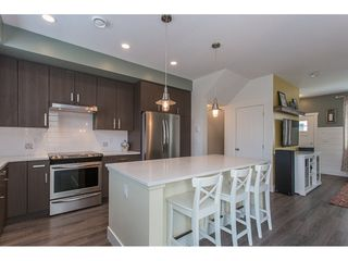 """Photo 5: 29 34230 ELMWOOD Drive in Abbotsford: Central Abbotsford Townhouse for sale in """"Ten Oaks"""" : MLS®# R2196931"""