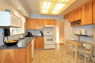 Photo 12: 357 W 24TH Street in North Vancouver: Central Lonsdale House for sale : MLS®# R2217336