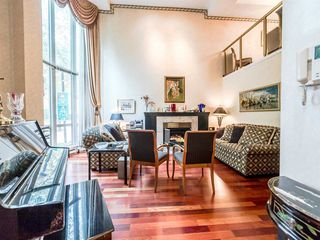"Main Photo: T08 1501 HOWE Street in Vancouver: Yaletown Townhouse for sale in ""888 BEACH"" (Vancouver West)  : MLS®# R2220139"
