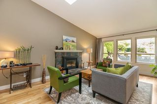 Photo 2: 3375 NORWOOD Avenue in North Vancouver: Upper Lonsdale House for sale : MLS®# R2222934