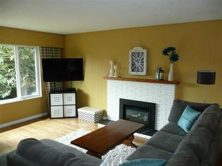 "Photo 3: 6055 BRODIE Road in Delta: Holly House for sale in ""HOLLY"" (Ladner)  : MLS®# R2224778"