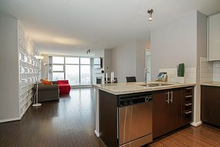 """Photo 3: 1001 2289 YUKON Crescent in Burnaby: Brentwood Park Condo for sale in """"WATERCOLOURS"""" (Burnaby North)  : MLS®# R2228233"""