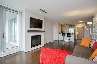 """Photo 8: 1001 2289 YUKON Crescent in Burnaby: Brentwood Park Condo for sale in """"WATERCOLOURS"""" (Burnaby North)  : MLS®# R2228233"""