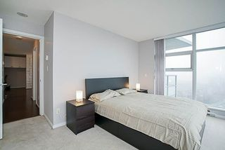 """Photo 11: 1001 2289 YUKON Crescent in Burnaby: Brentwood Park Condo for sale in """"WATERCOLOURS"""" (Burnaby North)  : MLS®# R2228233"""