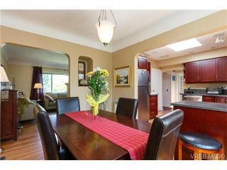Photo 9: 1439 Brooke Street in VICTORIA: Vi Fairfield West Residential for sale (Victoria)  : MLS®# 351861