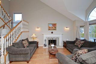 Photo 3: 12455 205 STREET in Maple Ridge: Northwest Maple Ridge House for sale : MLS®# R2238685