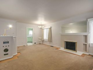 Photo 2: 92 W 20TH Avenue in Vancouver: Cambie House for sale (Vancouver West)  : MLS®# R2246558