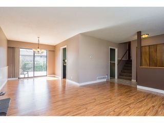 Photo 5: 17796 59 Avenue in Surrey: Cloverdale BC House for sale (Cloverdale)  : MLS®# R2246356