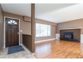 Photo 4: 17796 59 Avenue in Surrey: Cloverdale BC House for sale (Cloverdale)  : MLS®# R2246356