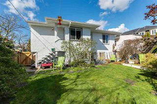 """Photo 13: 108 E 56TH Avenue in Vancouver: South Vancouver House for sale in """"LANGARA"""" (Vancouver East)  : MLS®# R2257447"""