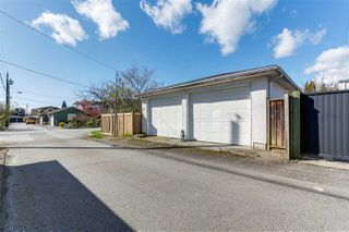 "Photo 15: 108 E 56TH Avenue in Vancouver: South Vancouver House for sale in ""LANGARA"" (Vancouver East)  : MLS®# R2257447"