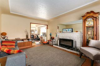 "Photo 3: 108 E 56TH Avenue in Vancouver: South Vancouver House for sale in ""LANGARA"" (Vancouver East)  : MLS®# R2257447"